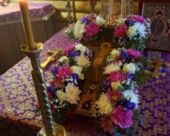 Праздничные службы в день Воздвижения Креста Господня